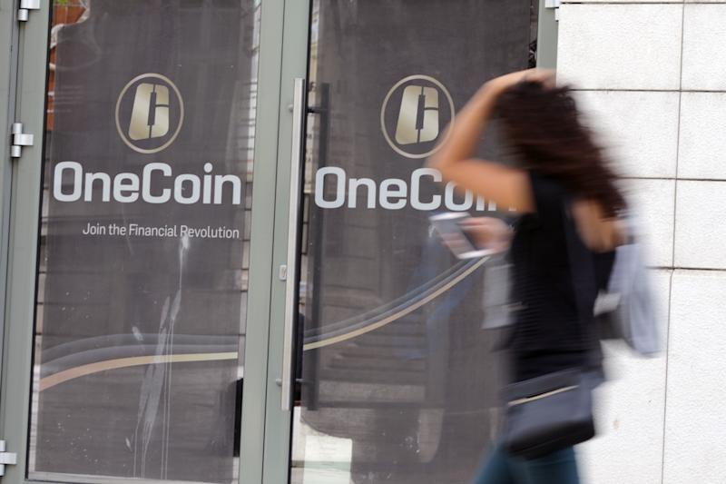 Alleged Crypto Ponzi OneCoin May Have Used Flood of Fake Reviews to Boost Ailing Image