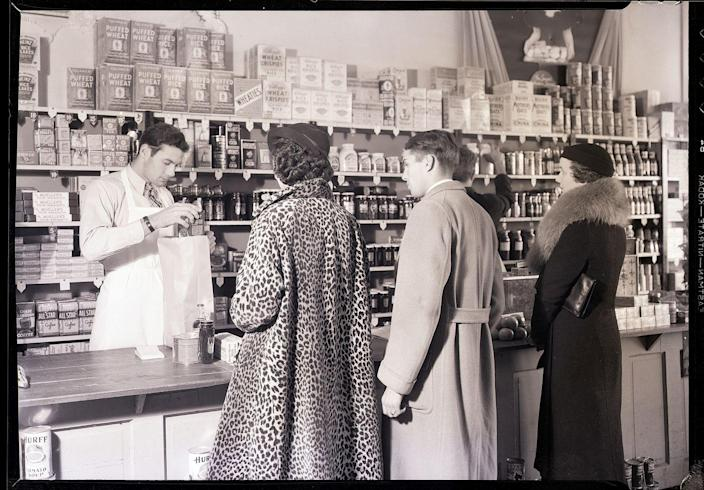"""<p>In the early '60s and '70s, a grocery store's footprint was <a href=""""https://blog.cheapism.com/grocery-stores-then-and-now/#slide=1"""" rel=""""nofollow noopener"""" target=""""_blank"""" data-ylk=""""slk:at most 15,000-square-feet"""" class=""""link rapid-noclick-resp"""">at most 15,000-square-feet</a>. Much different from the markets today, which are on average 45,000-square-feet.</p>"""