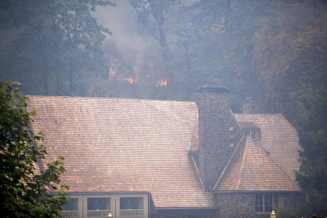 <p>The Eagle Creek fire has been burning in the Columbia River Gorge since Sept. 2, 2017. (Photo: Jim Ryan/Staff)/The Oregonian via AP) </p>