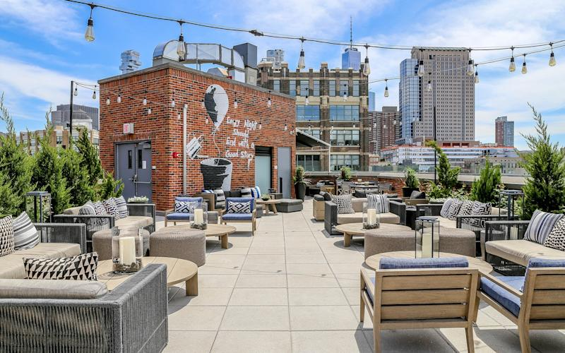 The rooftop bar at Arlo SoHo is a very pleasant place to while away a few evening hours