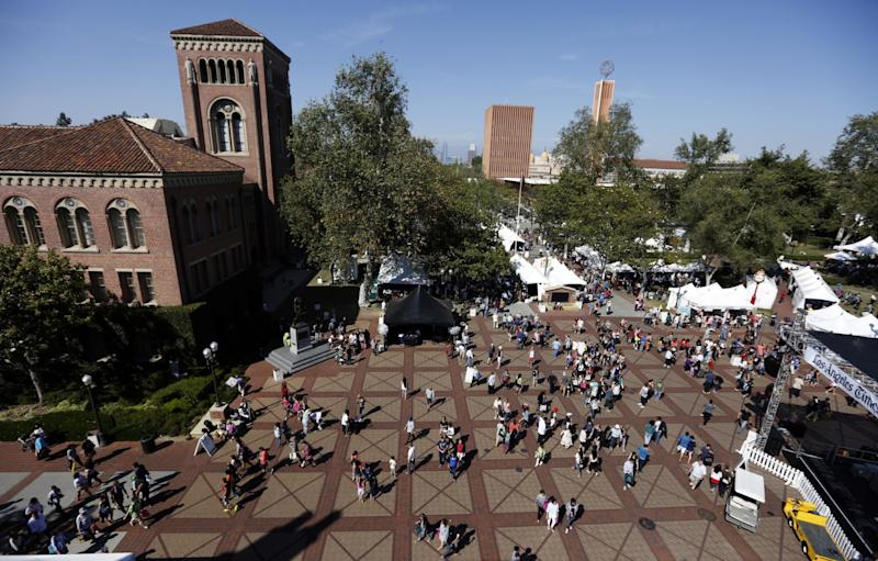 The University of Southern California campus buzzes with students in this photo taken before the pandemic.