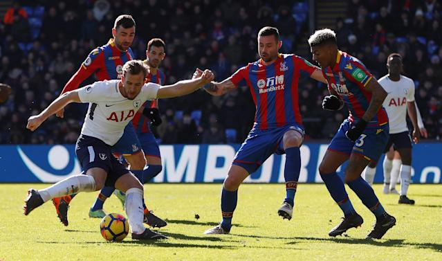 "Soccer Football - Premier League - Crystal Palace vs Tottenham Hotspur - Selhurst Park, London, Britain - February 25, 2018 Tottenham's Harry Kane shoots at goal Action Images via Reuters/Paul Childs EDITORIAL USE ONLY. No use with unauthorized audio, video, data, fixture lists, club/league logos or ""live"" services. Online in-match use limited to 75 images, no video emulation. No use in betting, games or single club/league/player publications. Please contact your account representative for further details."