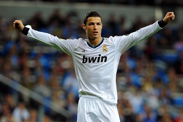 MADRID, SPAIN - SEPTEMBER 30: Cristiano Ronaldo of Real Madrid CF celebrates scoring his team's fifth goal during the La Liga match between Real Madrid CF and RC Deportivo La Coruna at Bernabeu on September 30, 2012 in Madrid, Spain. (Photo by Gonzalo Arroyo Moreno/Getty Images)
