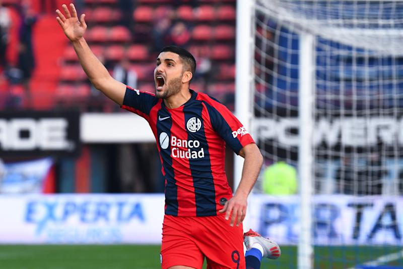BUENOS AIRES, ARGENTINA - JULY 27: Nicolas Blandi of San Lorenzo celebrates after scoring the second goal of his team during a match between San Lorenzo and Godoy Cruz as part of Super Liga 2019/20 at Pedro Bidegain Stadium on July 27, 2019 in Buenos Aires, Argentina. (Photo by Amilcar Orfali/Getty Images)