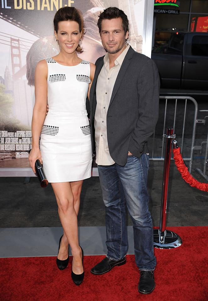 """<a href=""""http://movies.yahoo.com/movie/contributor/1800020790"""">Kate Beckinsale</a> and <a href=""""http://movies.yahoo.com/movie/contributor/1808458111"""">Len Wiseman</a> at the Los Angeles premiere of <a href=""""http://movies.yahoo.com/movie/1810105852/info"""">Going the Distance</a> - 08/23/2010"""