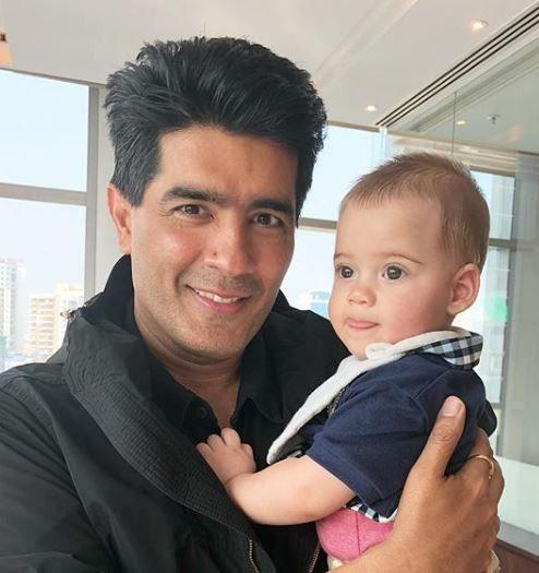 <p>Karan Johar celebrated his twins, Yash and Roohi's birthday with the star kids of his best friends in B-town. Taimur with Kareena Kapoor, Misha with Mira Rajput, Lakshya with Tushar Kapoor, Aaradhya with Aishwarya Rai, AbRam with Shah Rukh Khan were spotted outside Karan's residence. Take a look at photos from the party here. </p>