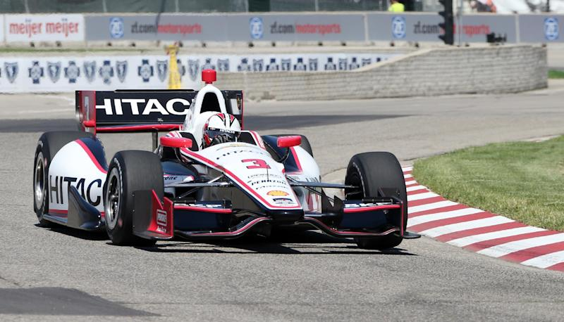 Helio Castroneves wins pole for 1st Detroit race
