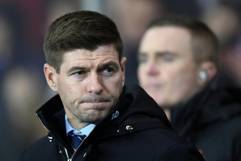 Rangers: Steven Gerrard let down by players, says Jermain Defoe