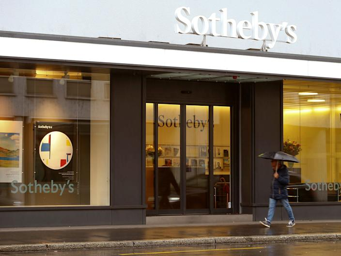 The logo of Sotheby's auction house is seen at a branch office in Zurich, Switzerland October 25, 2016.   REUTERS/Arnd Wiegmann