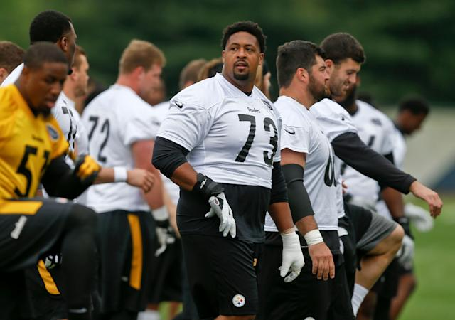 Pittsburgh Steelers offensive lineman Ramon Foster wants current and former teammates to keep the fighting off social media. (AP)