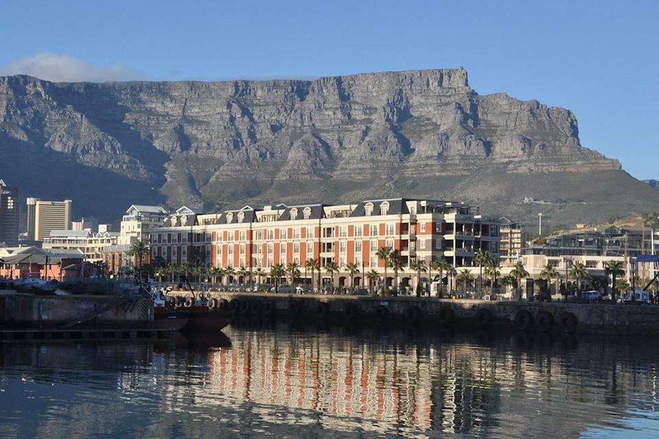 Cape town and Table mountain as viewed from the Victoria & Albert waterfront.