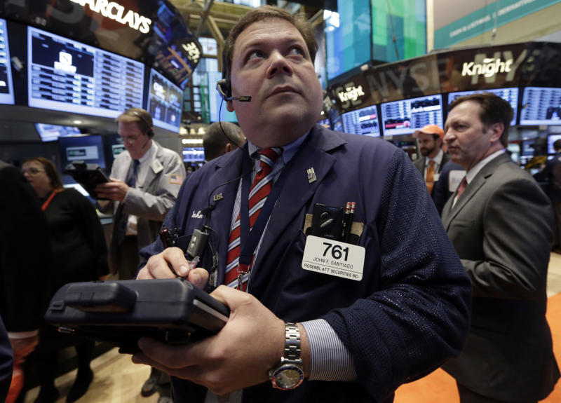 BofA leads banks up; S&P 500 index ekes out gain