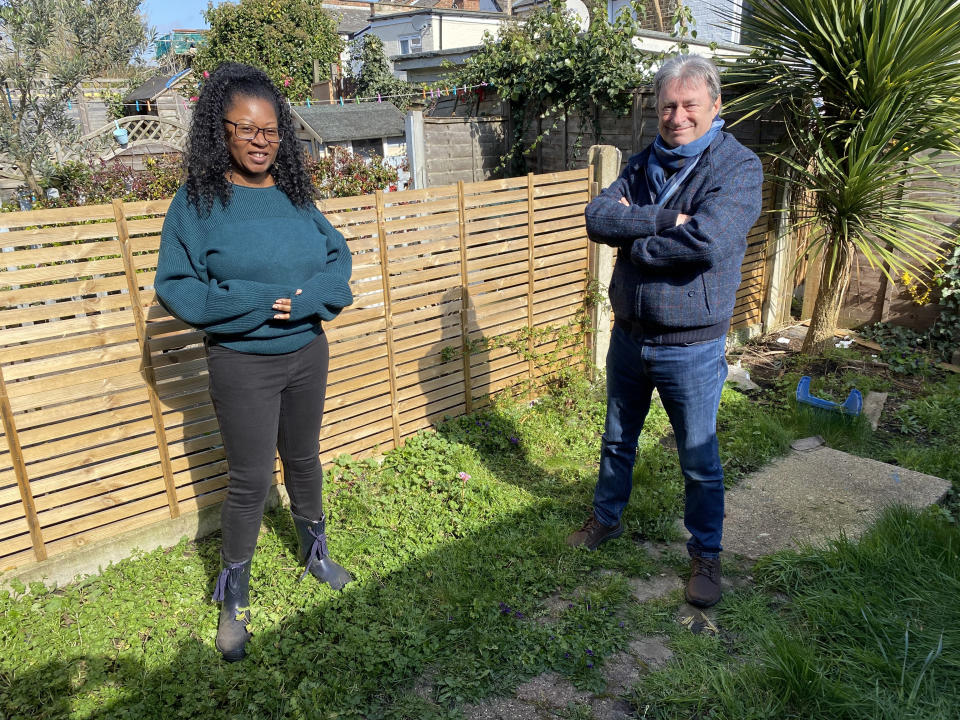 Charity worker Maxine with Alan Titchmarsh. (ITV)