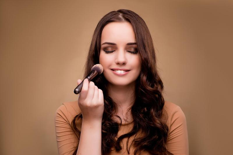 Find out which beauty brands and products to expect in the Black Friday sale: Shutterstock / Elnur