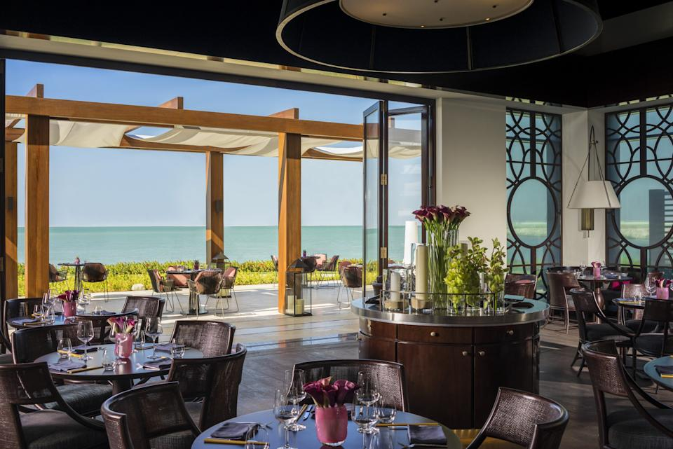 The dining room comes with ocean viewsFour Seasons