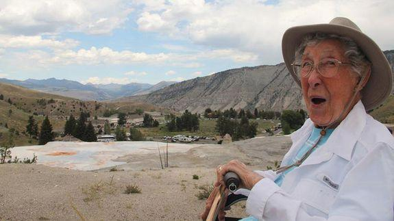 Road-tripping 91-year-old dies of cancer after year-long ...