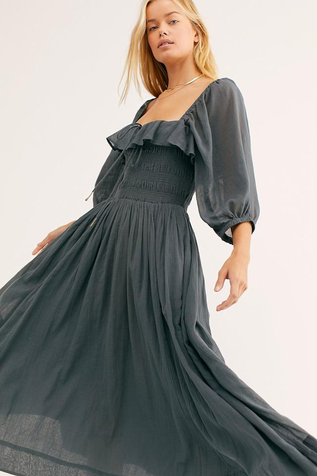 "<p>A lightweight dress is always a must and right now my favorite is this <a href=""https://www.popsugar.com/buy/Oasis-Midi-Dress-547370?p_name=Oasis%20Midi%20Dress&retailer=freepeople.com&pid=547370&price=118&evar1=travel%3Aus&evar9=46228223&evar98=https%3A%2F%2Fwww.popsugar.com%2Ftravel%2Fphoto-gallery%2F46228223%2Fimage%2F47188417%2FOasis-Midi-Dress&list1=shopping%2Ctravel%2Ctravel%20tips%2Ctravel%20style&prop13=api&pdata=1"" rel=""nofollow"" data-shoppable-link=""1"" target=""_blank"" class=""ga-track"" data-ga-category=""Related"" data-ga-label=""https://www.freepeople.com/shop/oasis-midi-dress/?category=midi-dresses&amp;color=045&amp;quantity=1&amp;type=REGULAR"" data-ga-action=""In-Line Links"">Oasis Midi Dress</a> ($118). It easy to wear with sneakers and sandals. Plus, in comes in several different color cgoices.</p>"