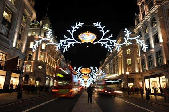 London is getting ready for Christmas and new year