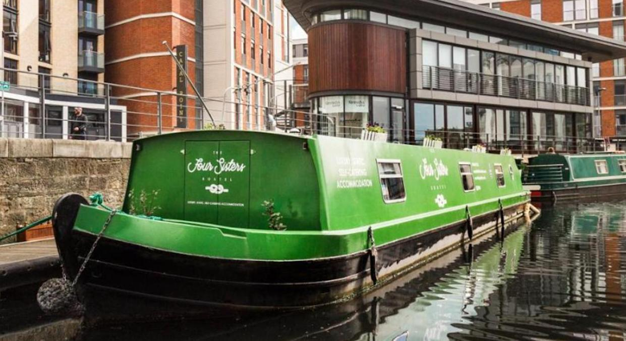 The Four Sisters Boatel Houseboat (Booking.com)