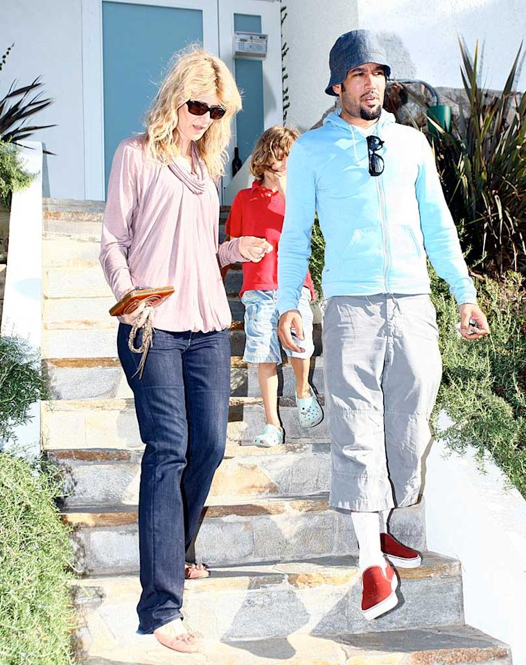 """Lauren Dern and Ben Harper leave the star-studded soiree with their kids in tow. What, no goodie bag? LAX-Mariotto/<a href=""""http://www.x17online.com"""" target=""""new"""">X17 Online</a> - October 19, 2008"""