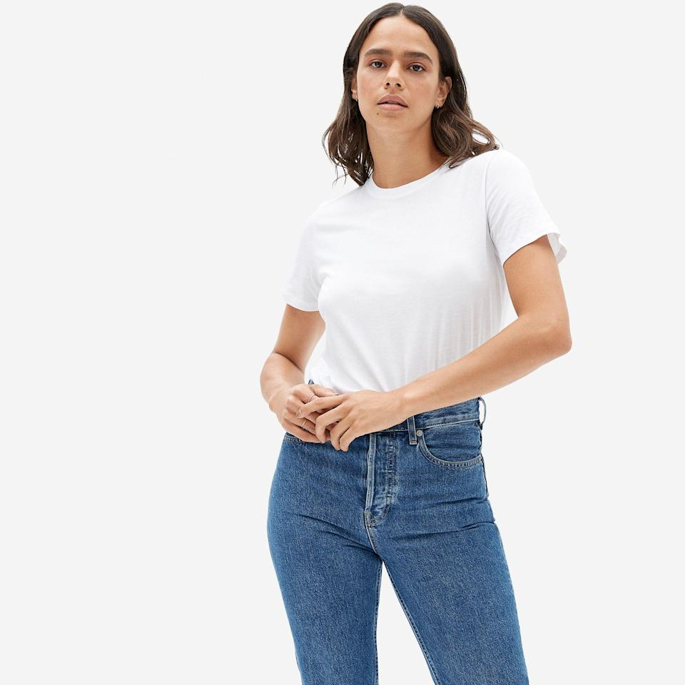"""<p><strong>everlane</strong></p><p>everlane.com</p><p><strong>$18.00</strong></p><p><a href=""""https://go.redirectingat.com?id=74968X1596630&url=https%3A%2F%2Fwww.everlane.com%2Fproducts%2Fwomens-organic-cotton-crew-white&sref=https%3A%2F%2Fwww.cosmopolitan.com%2Ffood-cocktails%2Fg36163295%2Fvegan-gift-ideas%2F"""" rel=""""nofollow noopener"""" target=""""_blank"""" data-ylk=""""slk:SHOP NOW"""" class=""""link rapid-noclick-resp"""">SHOP NOW</a></p><p>Everyone needs a classic white tee in their wardrobe, and this one from Everlane is *chef's kiss*. What makes it so unique is that it uses GOTS-certified organic cotton, which is better for soil and water.</p>"""