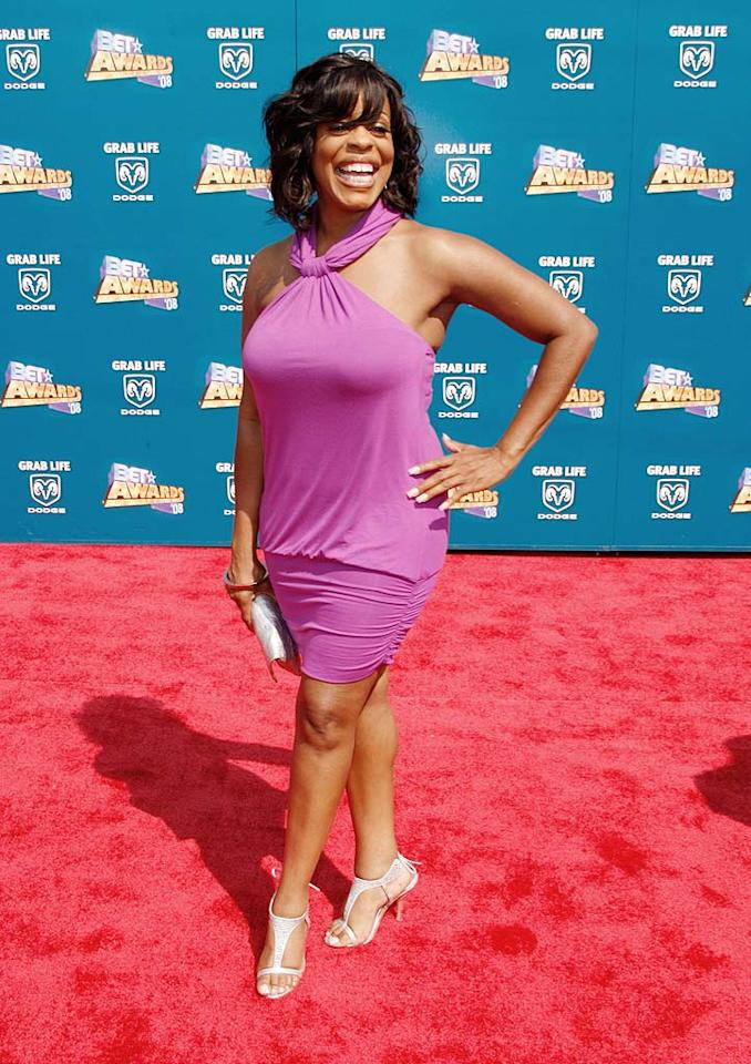 """Reno 911!"" star Niecy Nash was all smiles as she sashayed down the red carpet in a flattering pink frock and sparkling heels. Frazer Harrison/<a href=""http://www.gettyimages.com/"" target=""new"">GettyImages.com</a> - June 24, 2008"