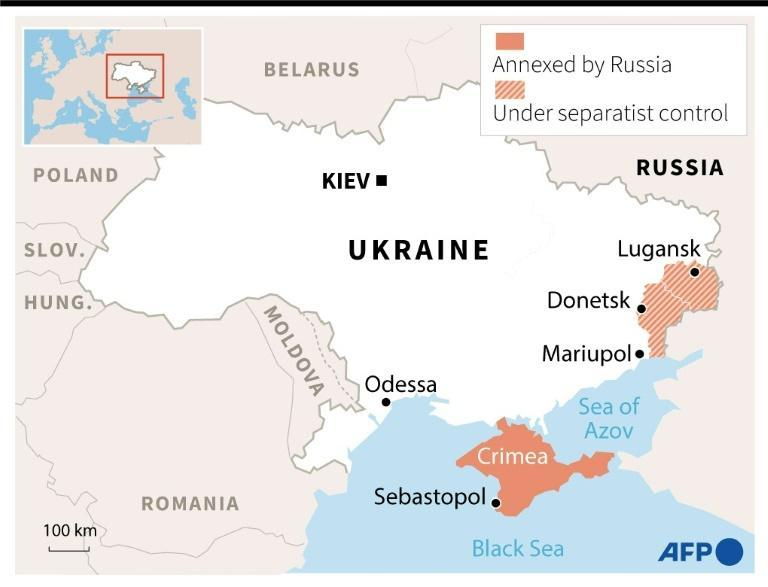 Map of Ukraine locating regions under separatist control and the Crimea, annexed by Russia