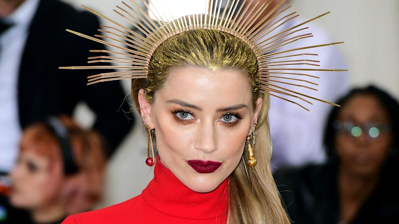 Amber Heard shares news of her mother's death