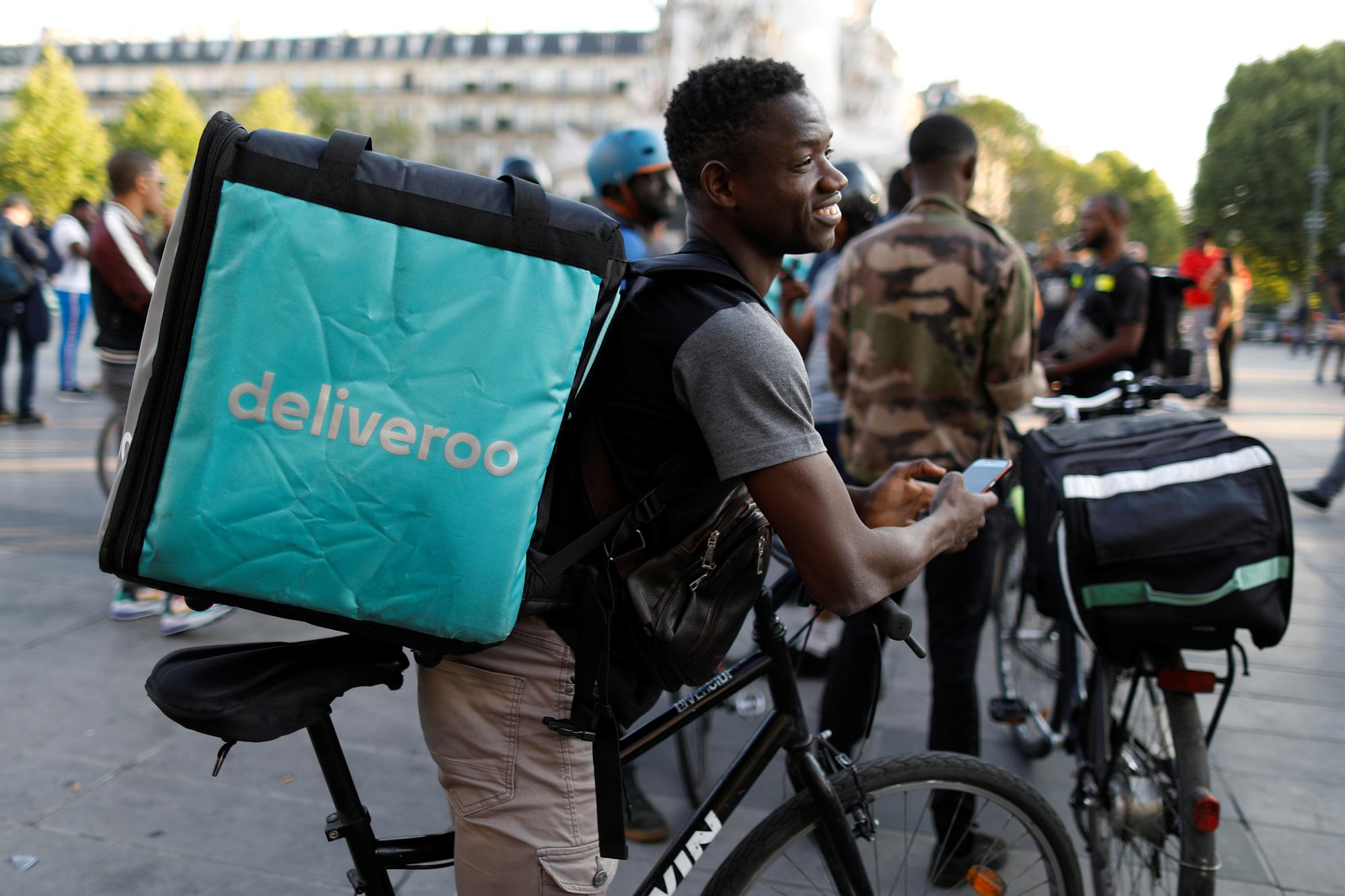 Busiest Deliveroo riders in line for £10,000 bonuses in IPO
