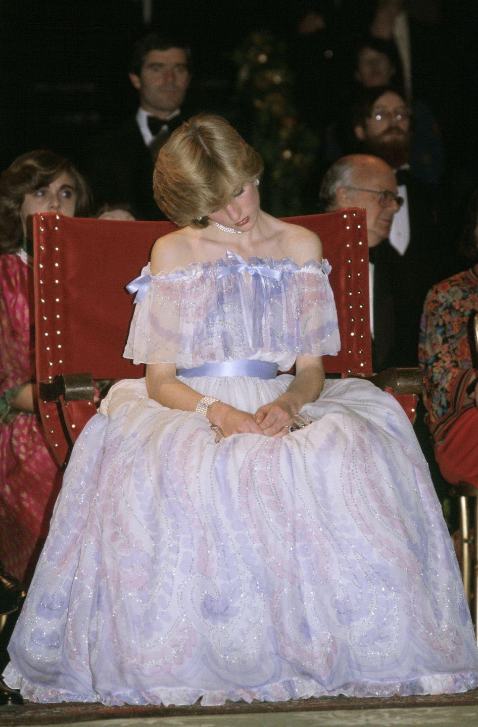 <p>Princess Diana gets famously sleepy at a gala at the Victoria and Albert Museum. The next day, the palace announced Diana was pregnant with Prince William. </p>
