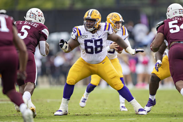 LSU OG Damien Lewis drops back to pass block against Mississippi State at Davis Wade Stadium on Oct. 19, 2019 in Starkville, Mississippi. (Photo by Wesley Hitt/Getty Images)