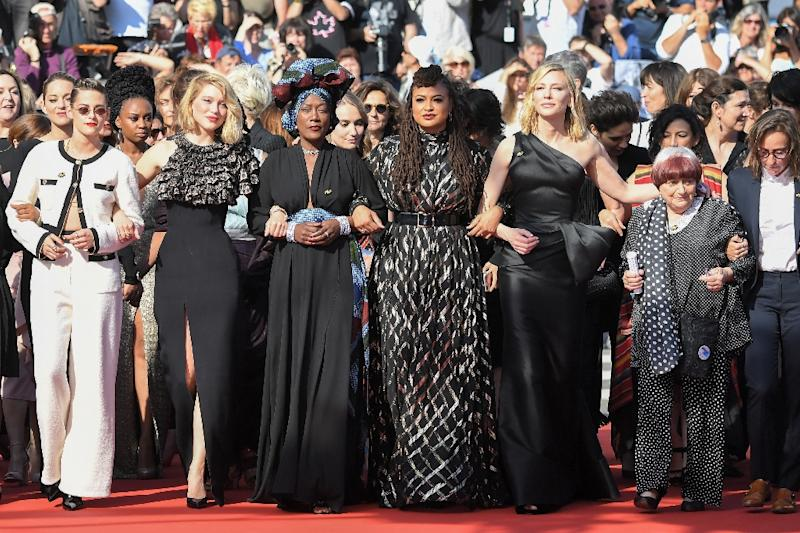 Actresses proved you can protest while being beautifully dressed (AFP Photo/LOIC VENANCE)