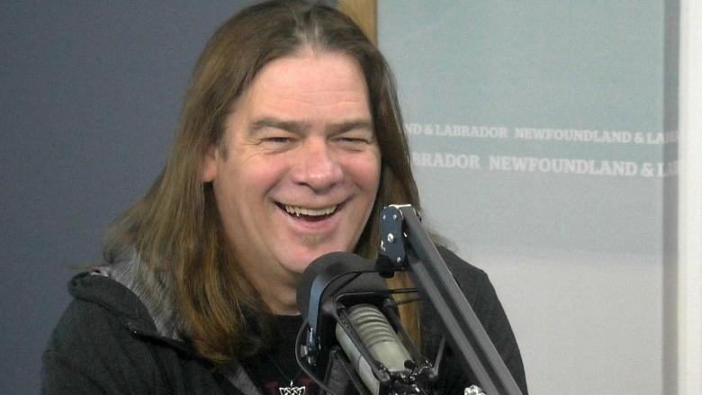 'We got it in the can in the can': Alan Doyle spearheads bathroom recording to benefit John Mann
