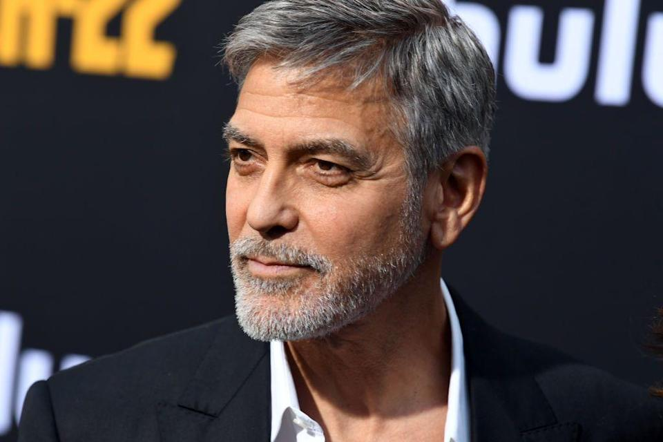 <p>Clooney's beard doesn't just perfectly fit his older aesthetic, it also makes him look surprisingly younger.</p>