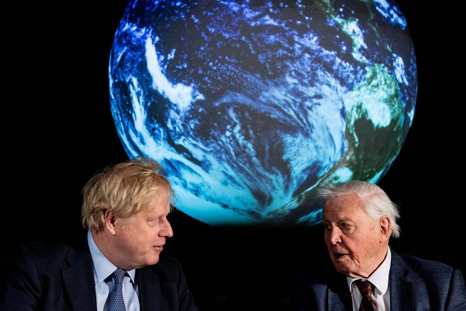 Prime Minister Boris Johnson (L) and British broadcaster and naturalist Sir David Attenborough (Getty Images)