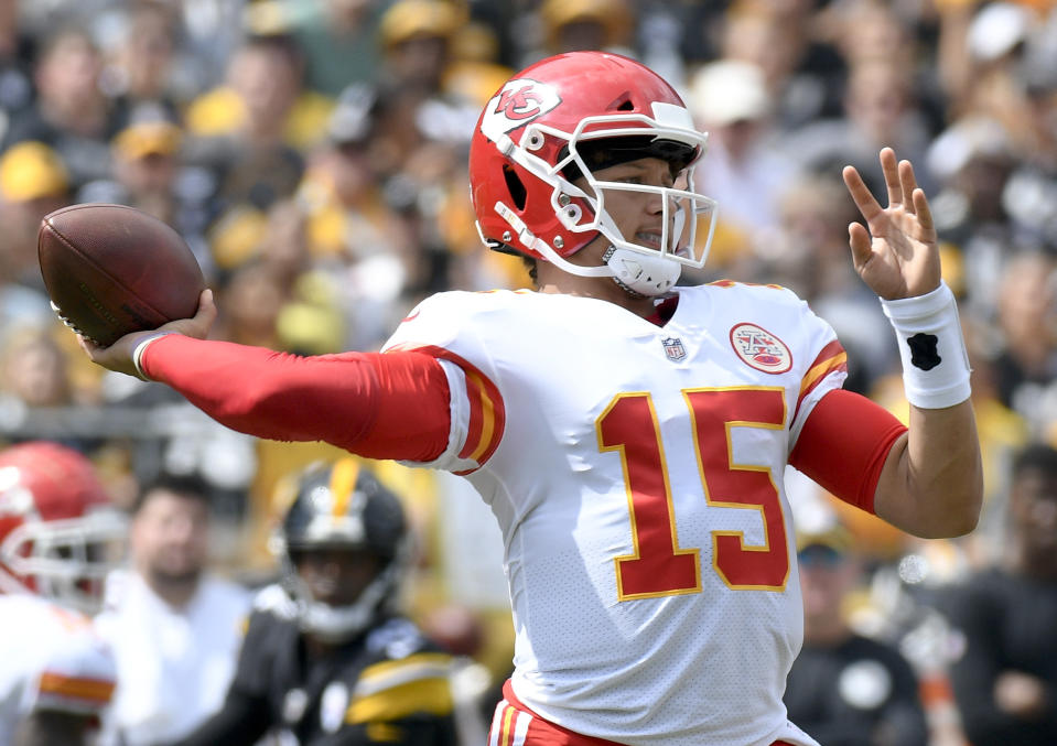 Patrick Mahomes threw six touchdowns in the Chief's 42-37 victory over the Steelers in Pittsburgh. (AP)