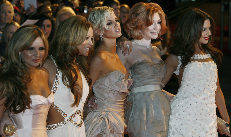 Harding (center) with Girls Aloud members Coyle, Walsh, Roberts and Cole in 2009. (Photo: REUTERS/Luke MacGregor)