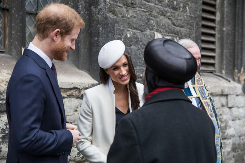 When it comes to meeting people, Markle has a natural ease, body language experts say.