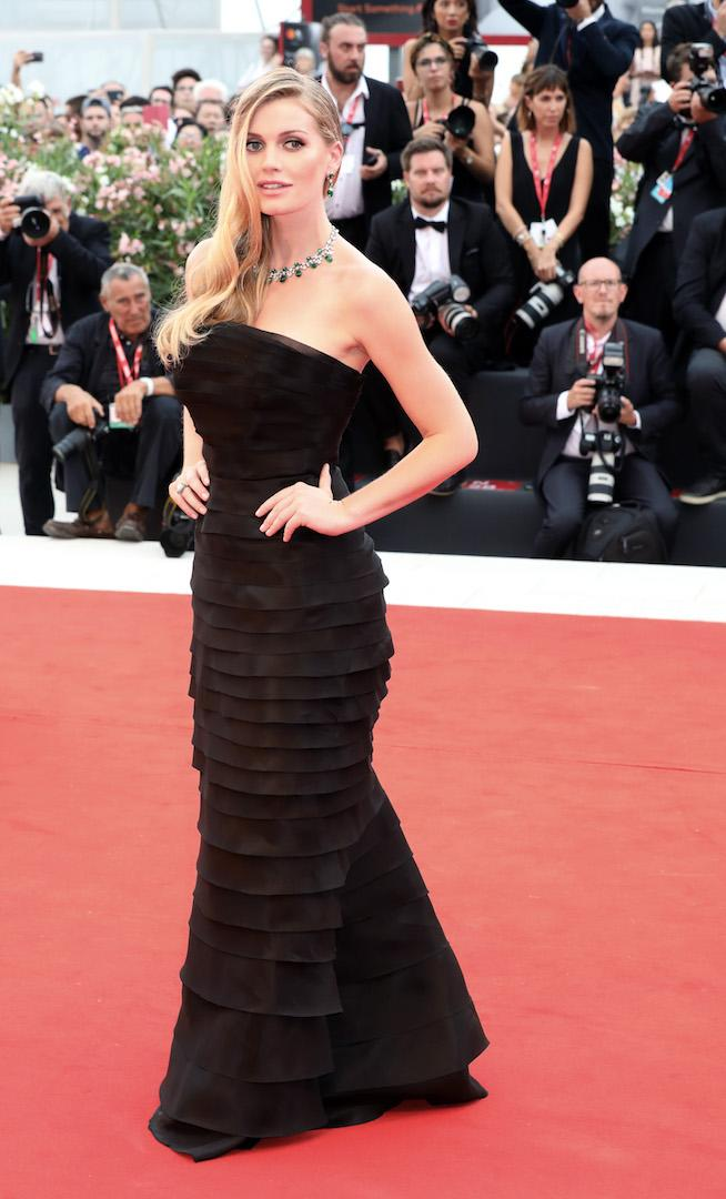 Bringing a touch of royalty to the red carpet, Lady Kitty Spencer wore a cold-shoulder Ermanno Scervino ruffled gown. <em>[Photo: Getty]</em>