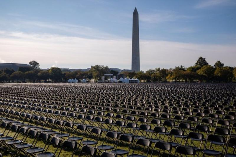 Photo of 20,000 Empty Chairs for Covid-19 Deaths in the US is Grim Reminder of the Sheer Magnitude