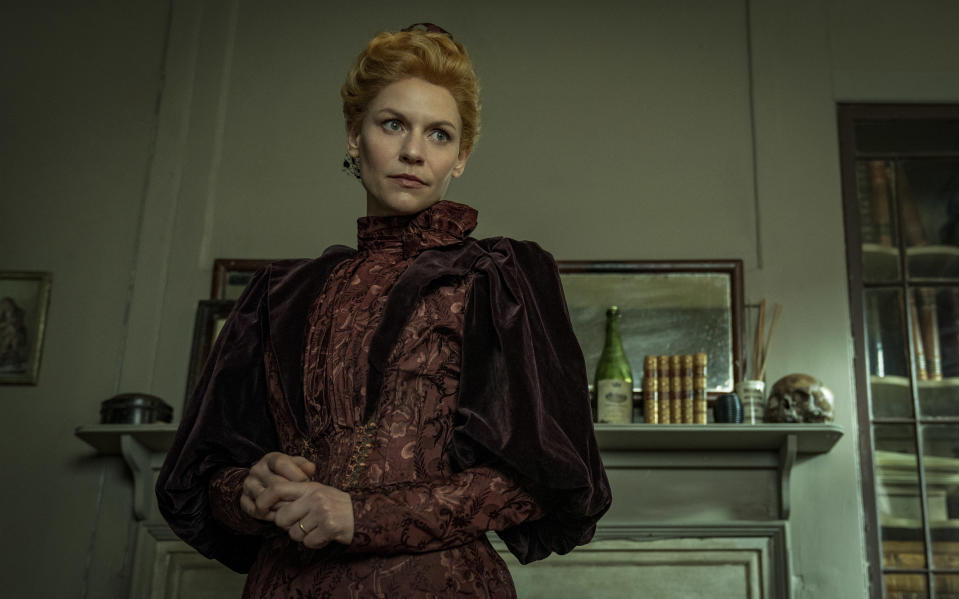 Claire Danes as Cora (AppleTV/See Saw Films)