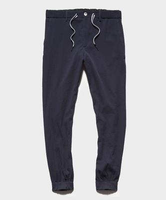 "<p><strong>Seersucker Camp Jogger</strong></p><p>toddsnyder.com</p><p><strong>$99.00</strong></p><p><a href=""https://go.redirectingat.com?id=74968X1596630&url=https%3A%2F%2Fwww.toddsnyder.com%2Fcollections%2Ffootjoy-navy%2Fproducts%2Fts-x-footjoy-seerscucker-camp-jogger-navycamp-jogger-navy-navy&sref=https%3A%2F%2Fwww.esquire.com%2Fstyle%2Fmens-fashion%2Fg36197949%2Fbest-golf-clothing-brands%2F"" rel=""nofollow noopener"" target=""_blank"" data-ylk=""slk:Shop Now"" class=""link rapid-noclick-resp"">Shop Now</a></p><p>Todd Snyder dove head first into the golf world this year with a collaboration with FootJoy. These seersucker joggers will fare well on and off the course. The drawstring-iassance in golf is alive and well. </p>"