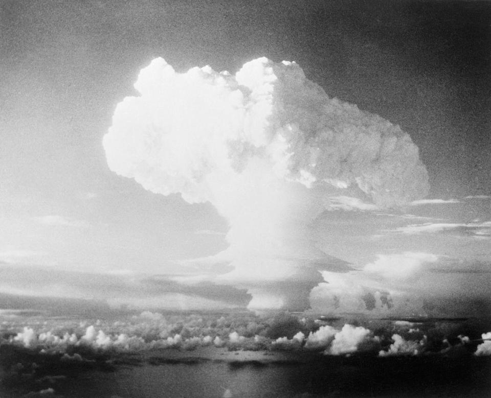 <p>The U.S. successfully detonates the first hydrogen bomb in the Marshall Islands on November 1. </p>