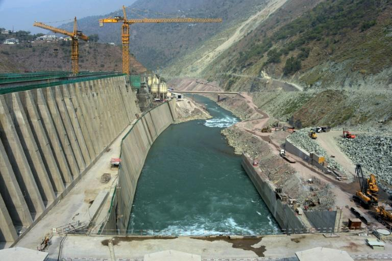 As a tributary of the Jhelum River, the Neelum theoretically falls into Pakistan's sphere, which launched the Neelum-Jhelum power plant project a quarter of a century ago