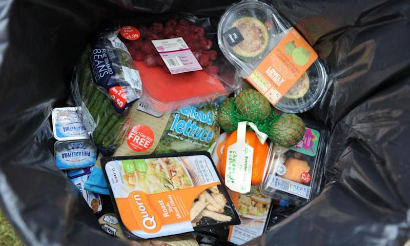 Tesco has been commended for publishing data on how much food it bins.
