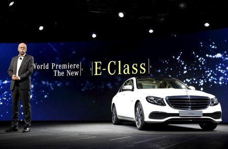 FILE PHOTO: Daimler AG's chairman Dieter Zetsche introduces the new version of its Mercedes-Benz E-Class car at a reception prior to the opening of the North American International Auto Show in Detroit in 2016.