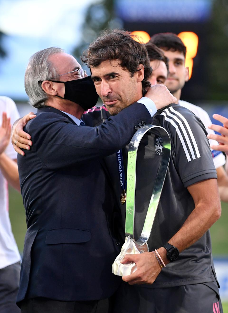 NYON, SWITZERLAND - AUGUST 25: Real Madrid CF Presdient Florentino Perez and head coach Raul Gonzalez Blanco following the UEFA Youth League Final 2019/20 between SL Benfica and Real Madrid CF at Colovray Sports Center on August 25, 2020, in Nyon, Switzerland (Photo by Harold Cunningham - UEFA/UEFA via Getty Images)
