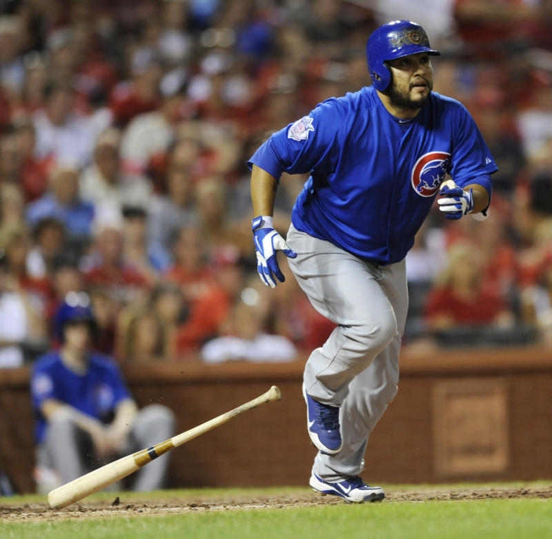 Navarro lifts Cubs to 6-5 win over Cardinals