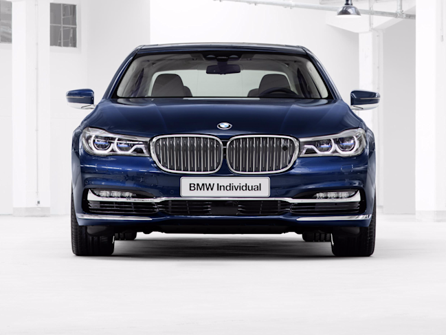 BMW Individual M760i xDrive Model V12 Excellence THE NEXT 100 YEARS