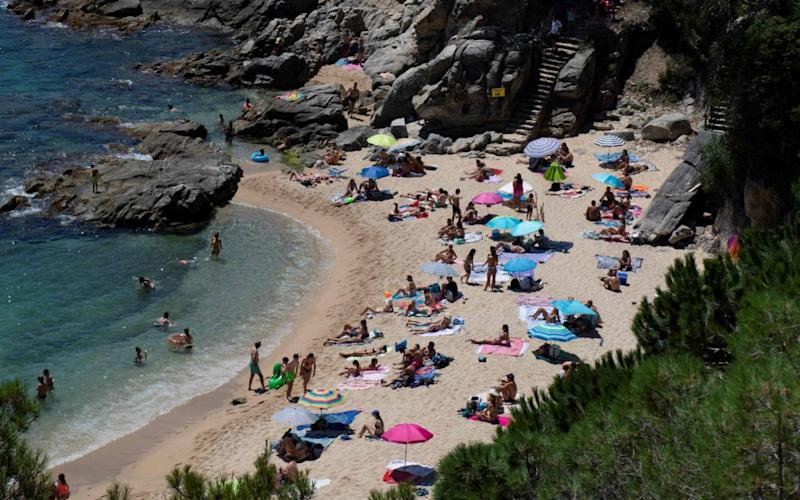 holidaymakers - JOSEP LAGO/AFP